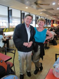 These are food and wine bloggers - Michael Reiss & Diane Sukiennik - www.foodandwineaccess.com - also en route to Malaysia.