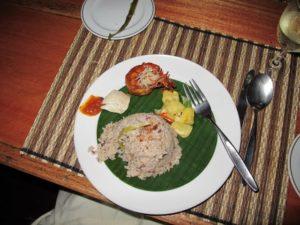 Wonderful brown rice with chili prawns and a refreshing mango dish