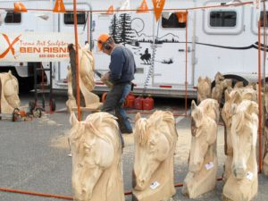 Ben Risney - expert chainsaw carver - creates beautiful masterpieces.