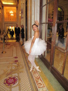 Ballet students from the Dance Division of The Julliard School were poised throughout the party.