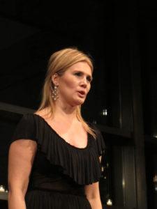 Edyta Kulczak - Mezzo-Soprano - sang 'Mon coeur s'ouvre a ta voix' from Samson et Dalila.