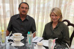 Here I am sitting next to the Chief Minister of Melaka, Datuk Seri Mohd. Ali bin Mohd. Rustam at Cafe Botanikal.