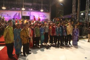 A group photograph with people from Malaysia Tourism and elsewhere