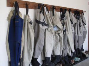 Many pairs of waders