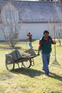 Pete Sherpa hauls a load.