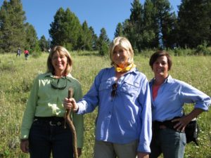 Donna Tate McDonald, owner of the guest ranch, Upper Canyon Outfitters www.ucomontana.com, me, and Val - a school teacher from New Jersey, who works with her husband at the ranch every summer.