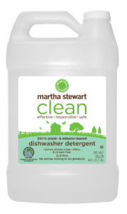Dishwasher detergent leaves dishes clean, shiny and streak-free