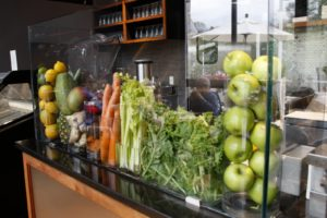 A fresh fruit and vegetable juice bar