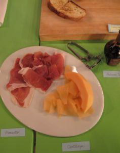 Another great topping is a combination of prosciutto, cantaloupe, and balsamic vinegar.