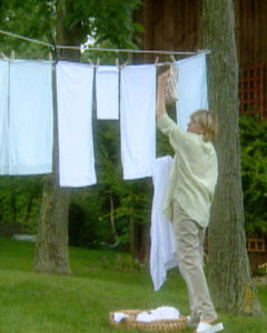 Here I am demonstrating how to rig a clothesline. (OAD: 9/23/1998)