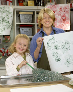 Making a kid-friendly bubble-wrap-print wrapping paper (OAD: 12/13/2002)