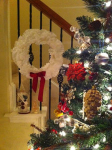 Bob Barnes from Fort Worth, TX made this wreath which is inspired by the craft segment on my show.