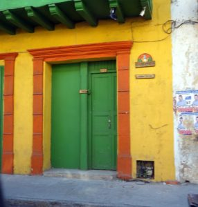 We went to visit the old Getsemaní section of Cartagena, where homes are painted with very bold colors.  There is also famous graffiti everywhere and other art on walls.