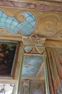 Here is another example of John's fine trompe l'oeil painting. John's passion for painting is evident on all the ceilings of this home - done by hand, using stencils and paper mache to give the three dimensional illusion.