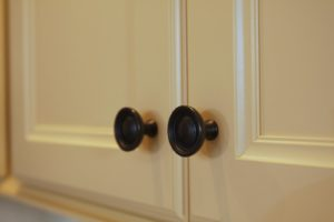 And 'Soft Iron' bowl knobs