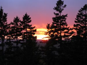 After spending the afternoon out and about browsing and shopping, we returned to Skylands to find an amazing sunset.