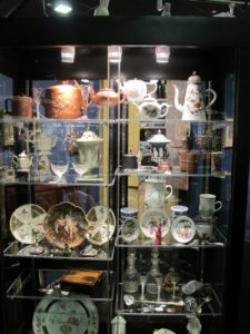 R.M. Worth Antiques - Chadds Ford, PA - A collection of fine art, 18th & 19th century American furniture, porcelain, early glass, silver and other period decorative objects.