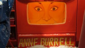 Oh no!  It's Anne Burrell trapped in the oven and her yellow hair is ablaze!