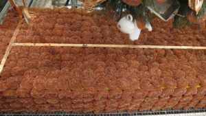 Whoever would have thought that copper scrubby pads could make for such terrific decorations?