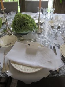 The place setting cards are also printed with a sycamore tree.