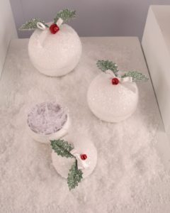 Snowball Effect from 2006 - These vintage-inspired gift containers look a lot like snowballs.