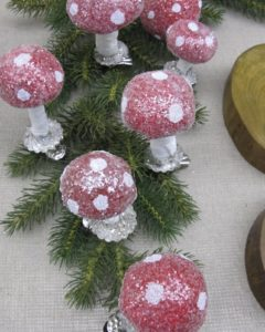 Fabulous mushroom ornaments from Hosanna Houser.  She'll be showing them on my TV show this week, as well!