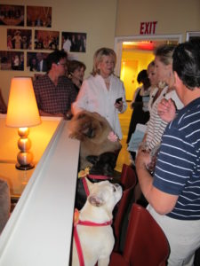 The greenroom filled up with visitors, including host Elisabeth Hasselback and guest host Ali Wentworth.