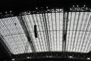 The expansive retractable roof is the largest of its kind in the world and measures approximately 660,800-square-feet.  From directly above, the entire playing field can be seen.