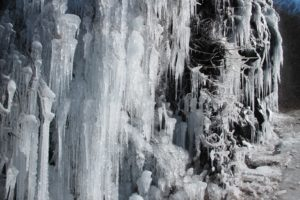 Driving north on US-9 along the majestic Hudson River, we encountered some amazing ice formations.