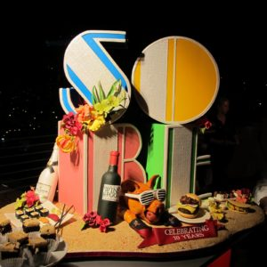 Ben-Israel's amazing homage to the city, an elaborate sugar ensemble based on artist Robert Indiana's LOVE sculpture, with SOBE in an art deco typeface