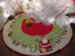 Heidi Halabuda uses this felt tree skirt from my collection for her tree.