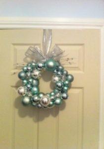 Bianca Lono from Toronto, Ontario made this fun ball wreath.