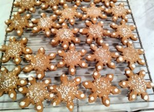 These gingerbread snowflakes were baked by Joseph Broda from Hoboken, NJ. He was inspired by the gingerbread recipe on my website.