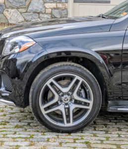 The handsome 19-inch twin five-spoke tires are all-season.