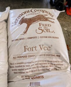 This year, I decided to use compost-based potting soil mix from the Vermont Compost Company in Montpelier, Vermont. This soil is specifically developed for organic gardening. It is called Fort Vee potting mix.