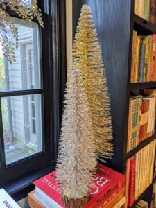 These charming Oversized Bottle Brush trees come in sets of three. I love these trees – use them as centerpieces on your dining table or on matching tables in your living room.