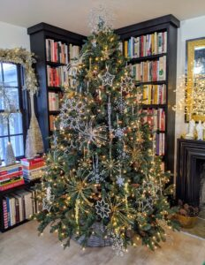 For this show, we decorated the cookbook library in one of my houses on the farm. This Full Tree with Pinecones has it all. It comes in green or flocked in a choice of heights - 5 feet, 6.5 feet, 7.5 feet and 9 feet. it also Includes spare bulbs and fuses, and pair of white gloves for shaping. This pre-lit tree has 800 lights, 3,035 tips - so full and so pretty, I may leave it up until Christmas.