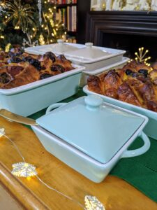 My 4 Piece Stoneware Bakeware set has all your meals covered - one large baker, one medium baker, and two 10.5 ounce mini casseroles with lids in blue or warm gray.
