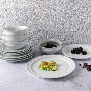 Whether you're snacking solo or sitting down to a special dinner with close family and friends, this dinnerware set brings everyday elegance to the dining table and can be mixed with other pieces already in your own home collection. It's available at Wayfair.