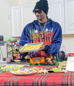 Snoop stopped to show us some of his decorated cookies during the broadcast - great job, Snoop.