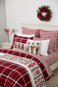 More fun bedding ideas can be found at Macy's. This is my Martha Stewart Collection Wyoming Plaid set - complete with a 100-percent cotton flannel comforter cover.