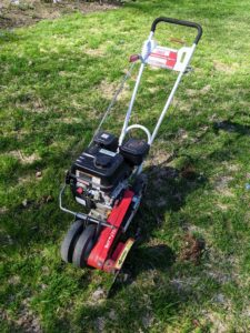 This Little Wonder gas powered edger is such a useful tool – it is a single purpose machine used to make good, crisp lines along the edges of garden beds and lawns. We've been using this handy and dependable machine for years.