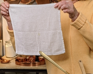 And here's a tip - I prefer to use these 12 by 12 inch bar towels instead of sponges and rags in my kirchen. They're easy to wash and can be used instead of paper towels.