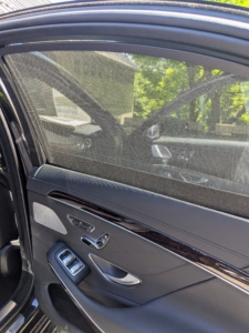 One of my favorite features in this Mercedes - the rear cabin window shades. These really control the sun's glare without compromising visibility.